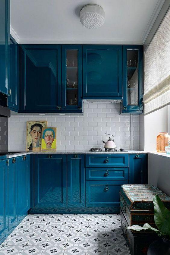 Small Kitchen Ideas: Striking Bold Decor