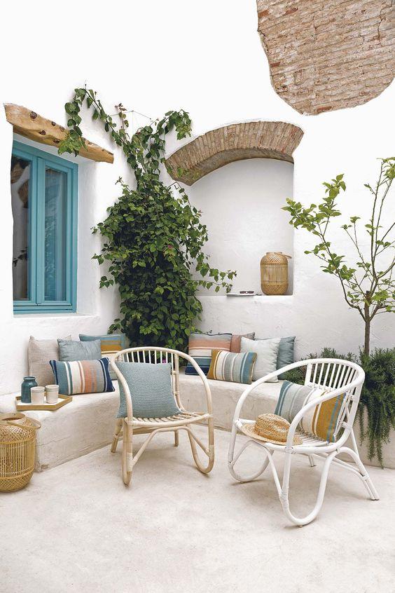 Small Patio Ideas: Charming Earthy Decor