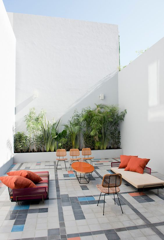 Small Patio Ideas: Unique Decorative Look