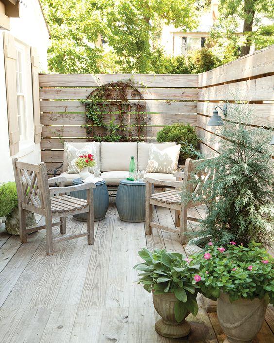Small Patio Ideas: Classic Rustic Style