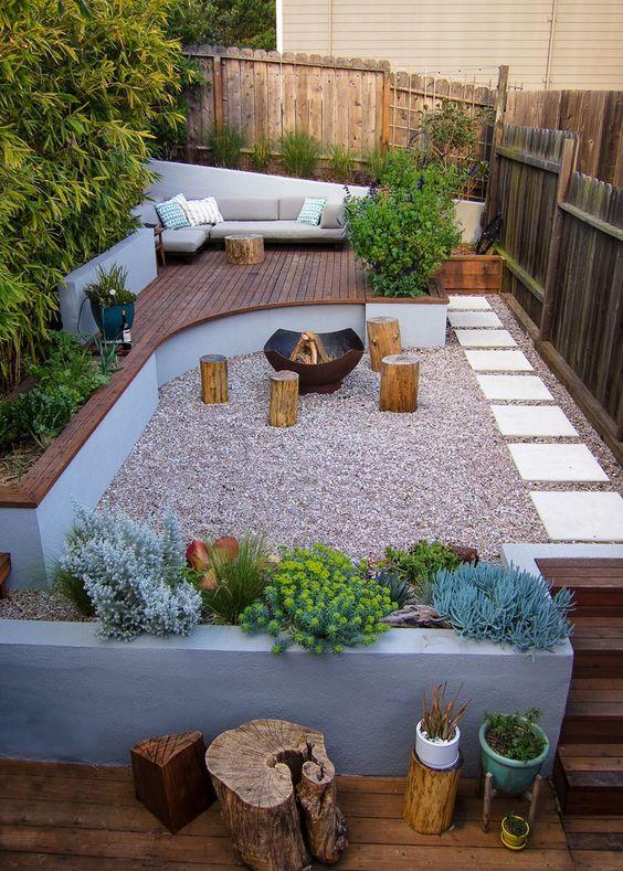 Backyard Deck Ideas: Cozy Earthy Corner