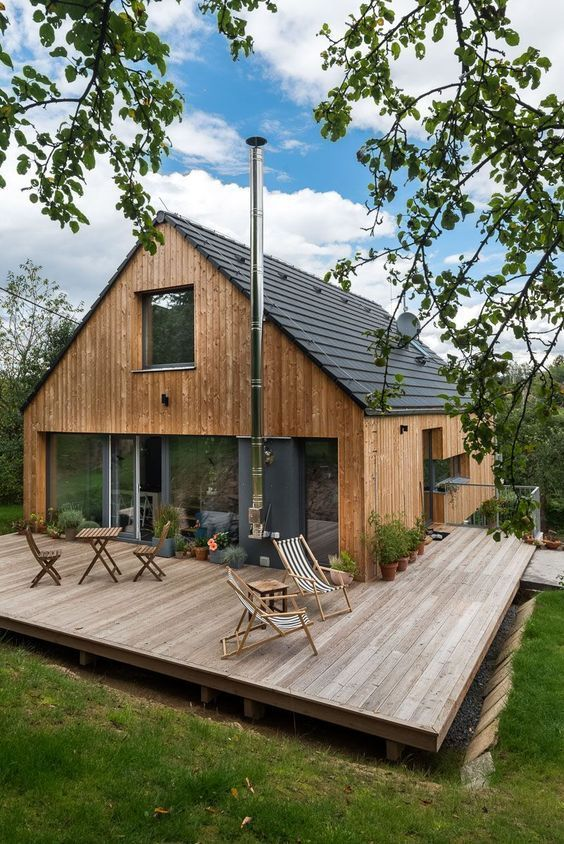 Backyard Deck Ideas: Warm Rustic Vibe