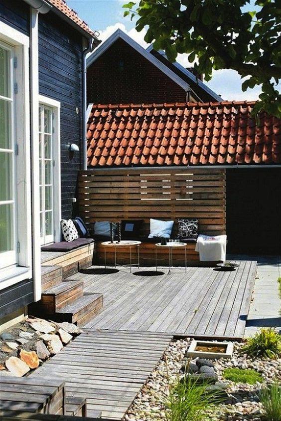 Backyard Deck Ideas: Captivating Seating Corner