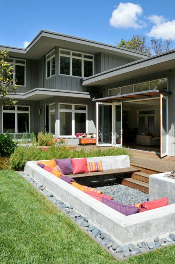 Backyard Sitting Area Ideas: Unique Sunken Area