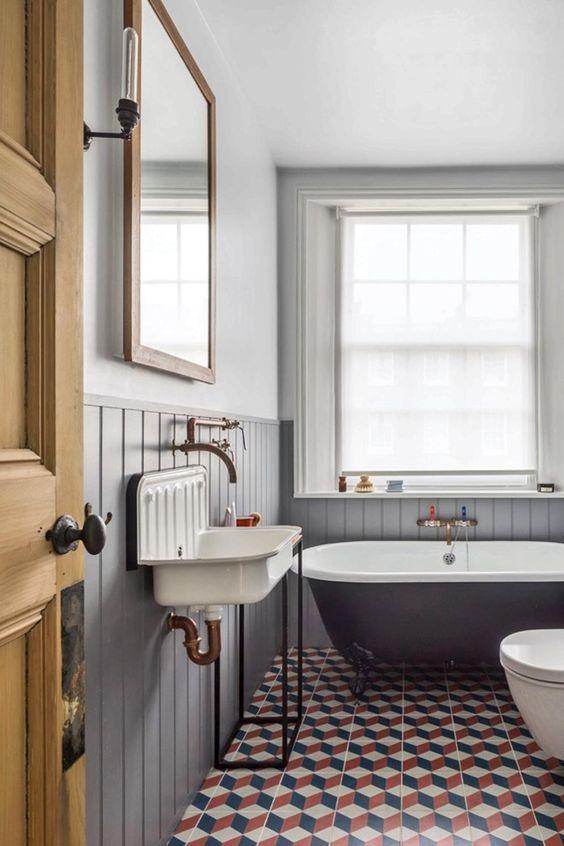 Bathroom Themes Ideas: Classic Vintage Decor
