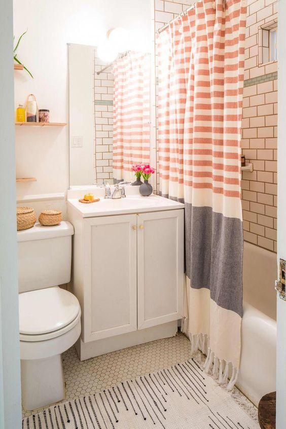 Bathroom Themes Ideas: Simple Small Bathroom