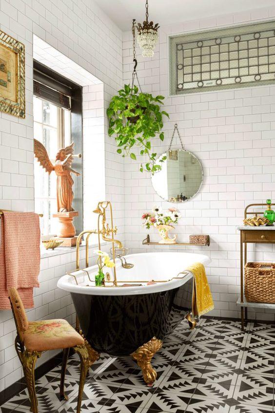 Bathroom Themes Ideas: Lovely Vintage Nuance