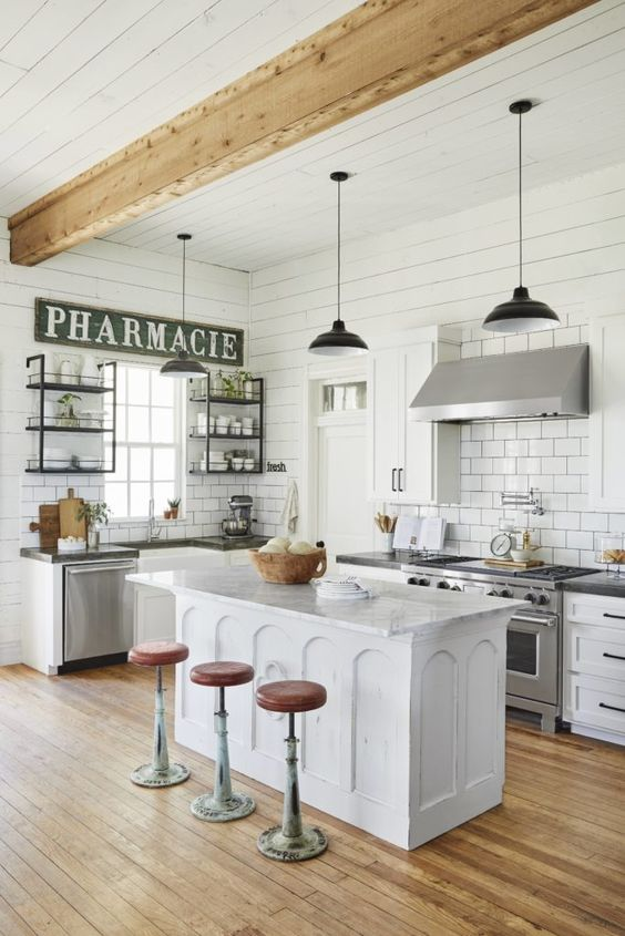 Farmhouse Kitchen Ideas: Minimalist and Cozy