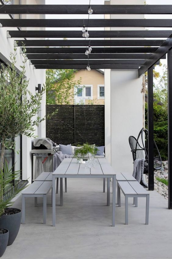 Patio Design Ideas: Stylish Concrete Patio