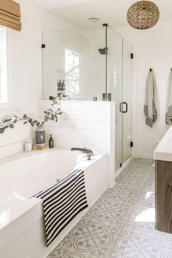 Simple Bathroom Ideas: Elegant Farmhouse Decor