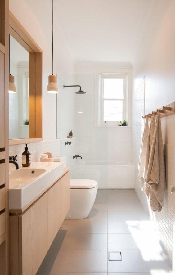 Simple Bathroom Ideas: Simple Galley Bathroom