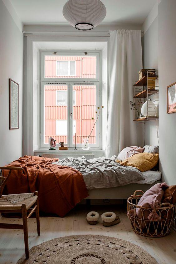 Small Bedroom Ideas: Stunning Pop-Color