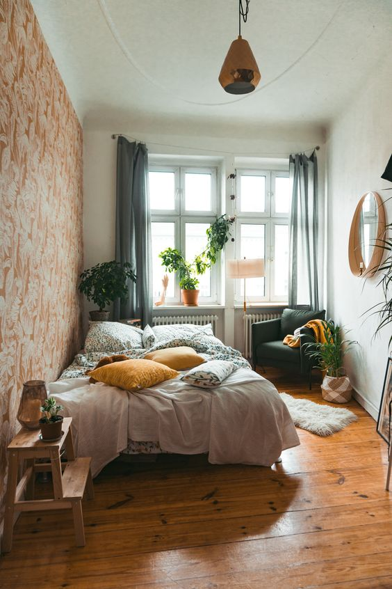 Small Bedroom Ideas: Bright Earthy Bedroom