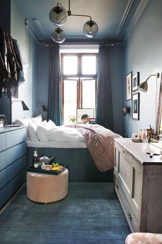 Small Bedroom Ideas: Stylish Navy Decor