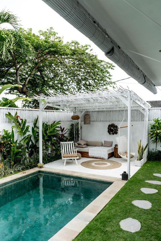 Swimming Pool Landscaping Ideas: Fresh Backyard Decor