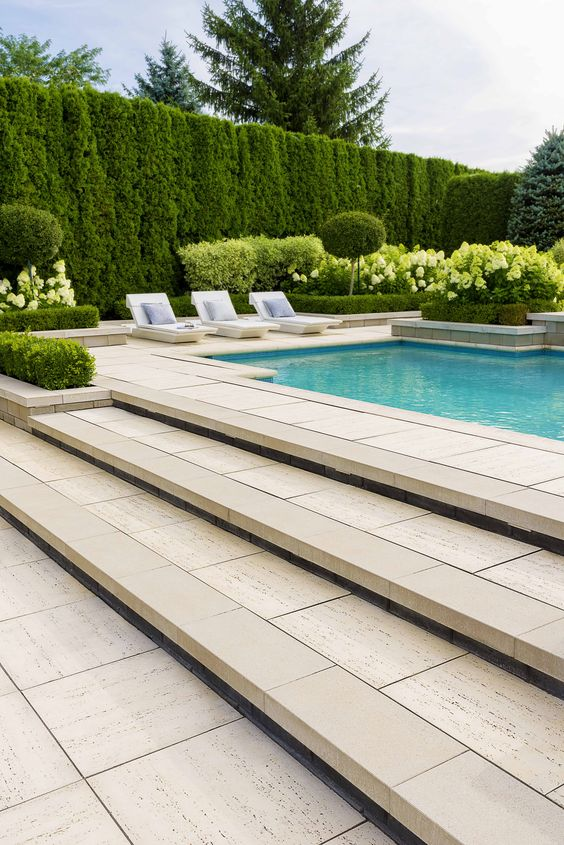 Swimming Pool Landscaping Ideas: Elegant Greeneries Decor