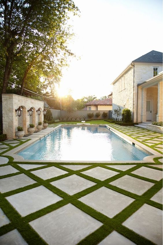 Swimming Pool Landscaping Ideas: Unique Patio Layout