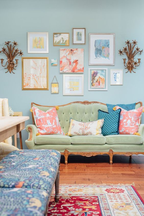 Traditional Living Room Ideas: Charming Vintage Vibe
