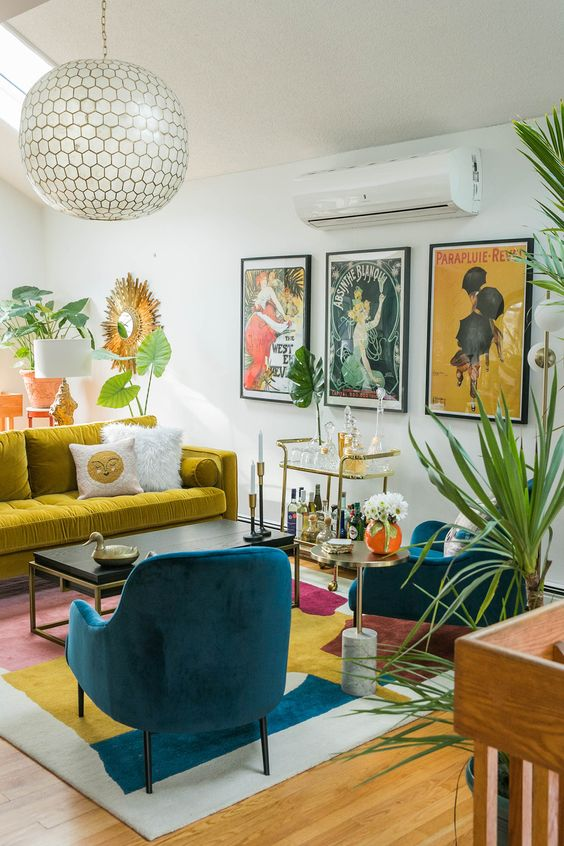 Traditional Living Room Ideas: Eye-Catching Colors