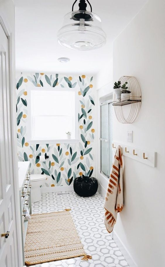 Apartment Bathroom Ideas: Creative Wall Decor