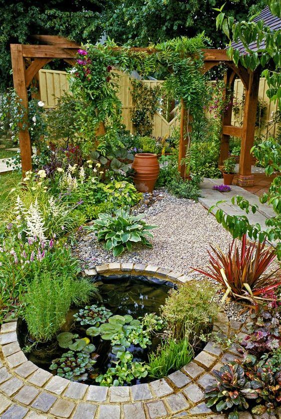 Backyard Pond Ideas: Chic Small Pond