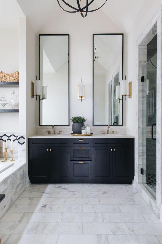 Bathroom Design Ideas: Spacious-Feeling Decor