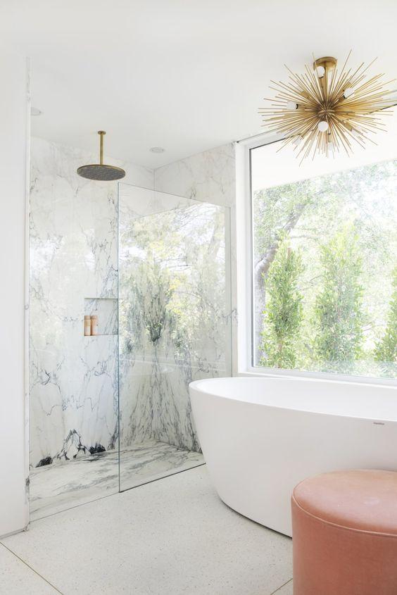 Bathroom Design Ideas: Chic Marble Accent