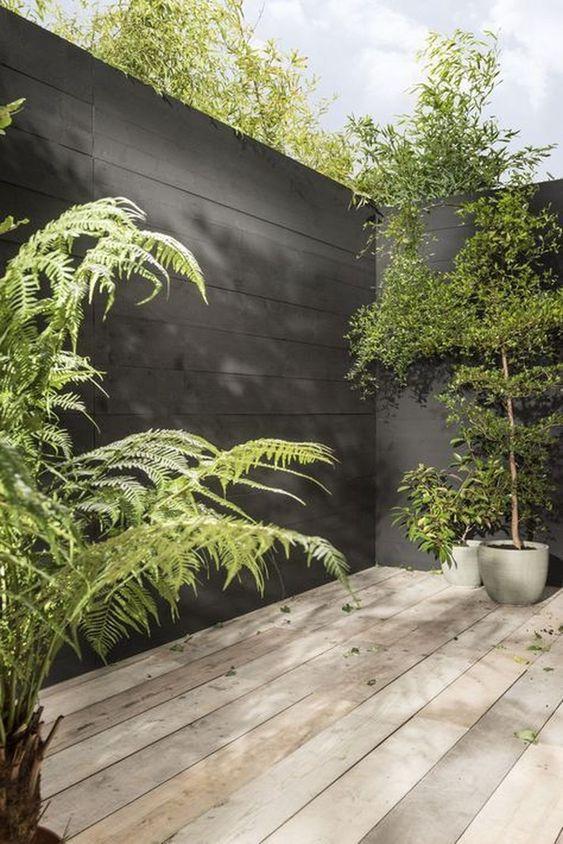 Black Fence Ideas: Horizontal Wooden Fence