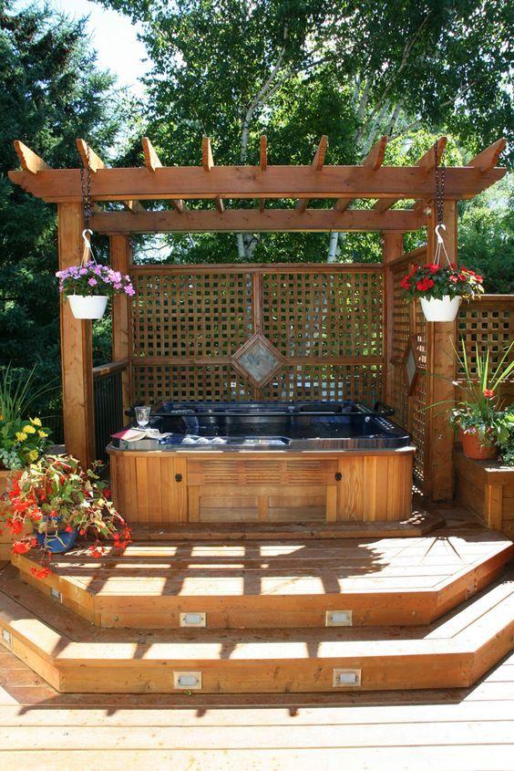 Cedar Hot Tub: Attractive Wood Elements