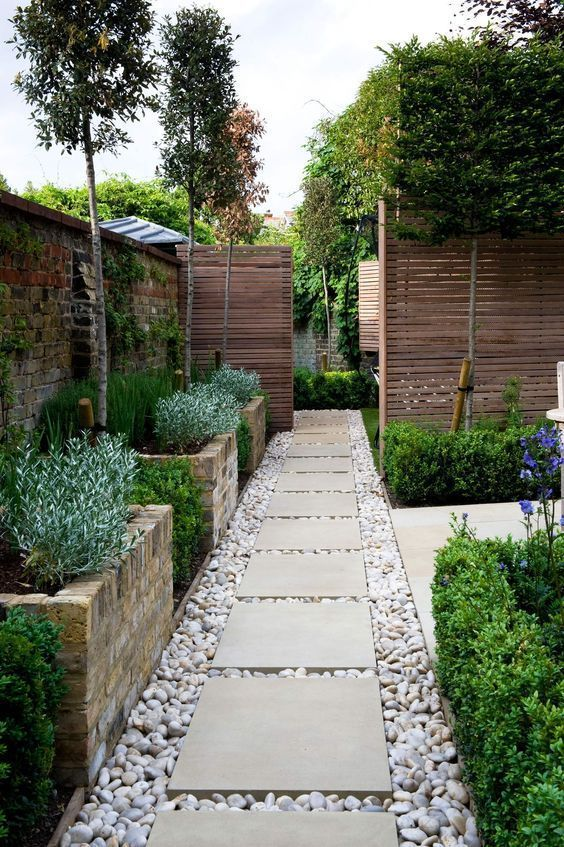 Fence Landscaping Ideas: Fresh Combination Look