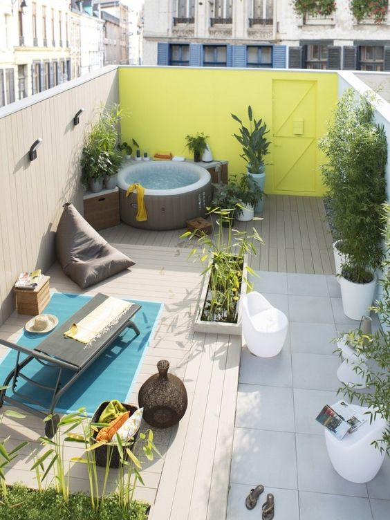Inflatable Hot Tub: Lovely Decorative Corner