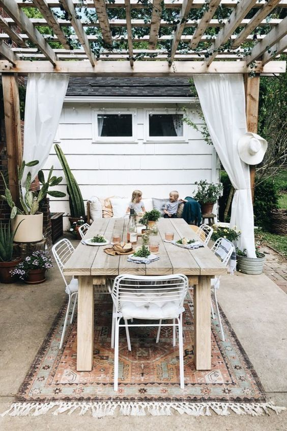 Outdoor Patio Ideas: Classic Rustic Look