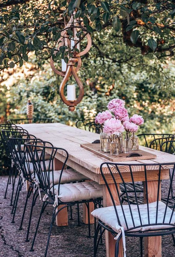 Outdoor Patio Ideas: Romantic Outdoor Setting