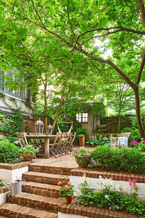 Simple Backyard Ideas: Earthy Rustic Vibe