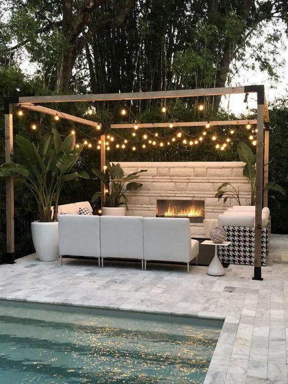 Simple Backyard Ideas: Romantic Lighting Feature