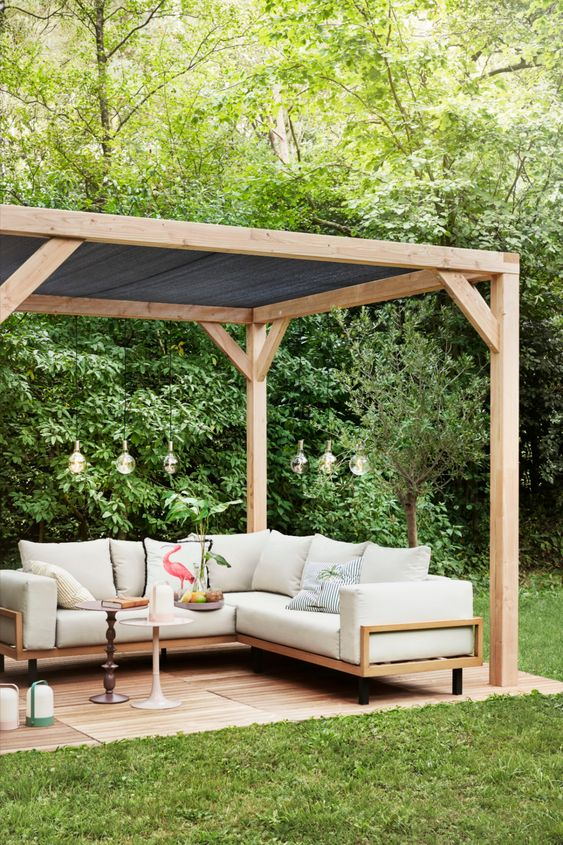 Simple Backyard Ideas: Elegant Minimalist Concept