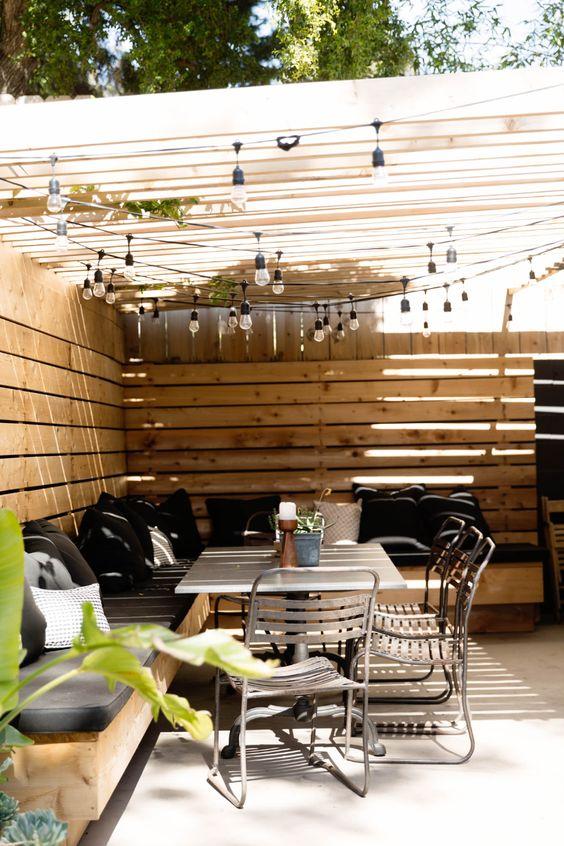 Simple Backyard Ideas: Chic Rustic Boho