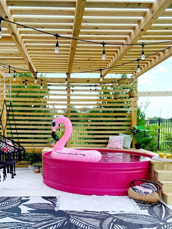 Swimming Pool Inspiration Ideas: Adorable Stock Tank