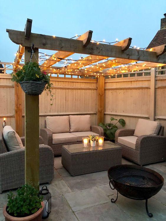 Backyard Inspiration Ideas: Romantic Sitting Area