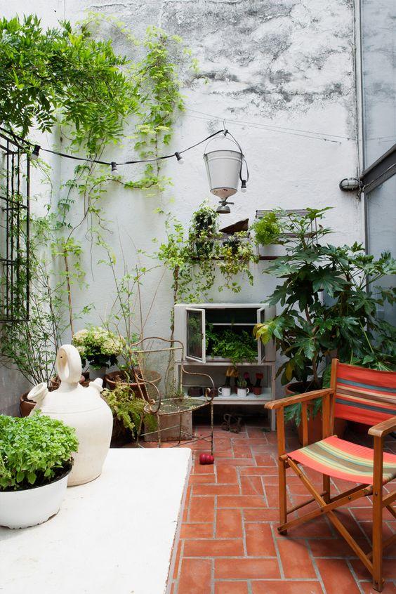 Backyard Inspiration Ideas: Simple Backyard Decor