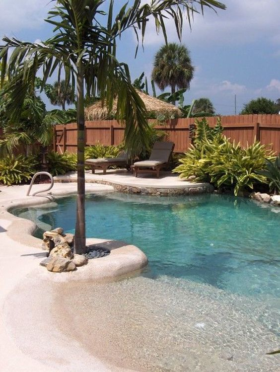 Beach Entry Swimming Pool: Breezy Tropical Vibe