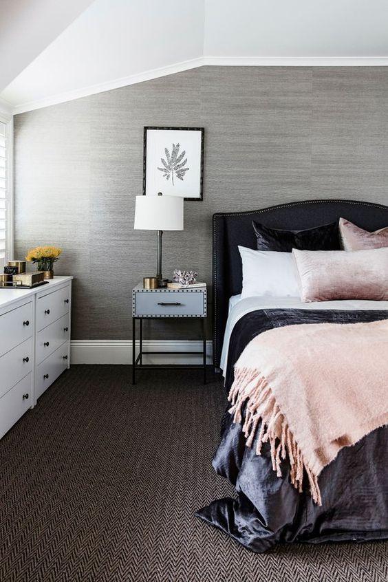Bedroom Wallpaper Ideas: Simple Gray Wallpaper