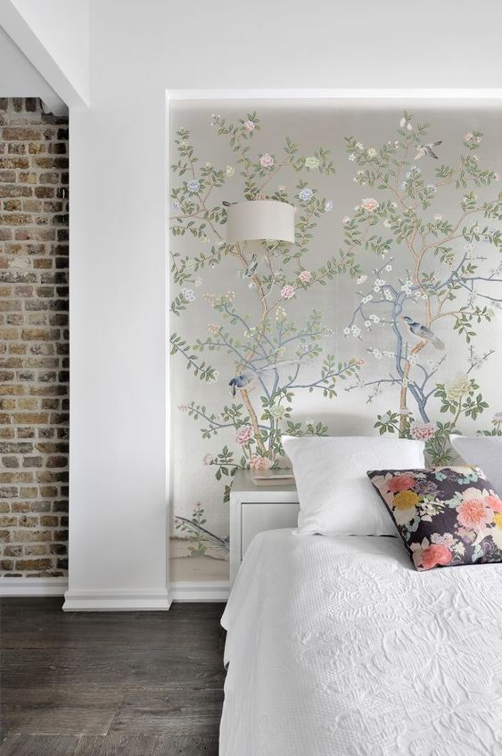 Bedroom Wallpaper Ideas: Attractive Floral Background