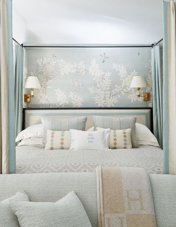 Bedroom Wallpaper Ideas: Lovely Small Accent