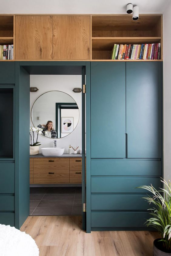 Bedroom Wardrobe Ideas: Striking Classic Style
