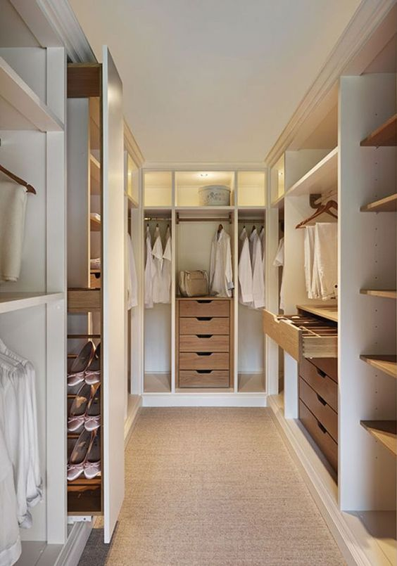 Bedroom Wardrobe Ideas: Stylish Walking Closet
