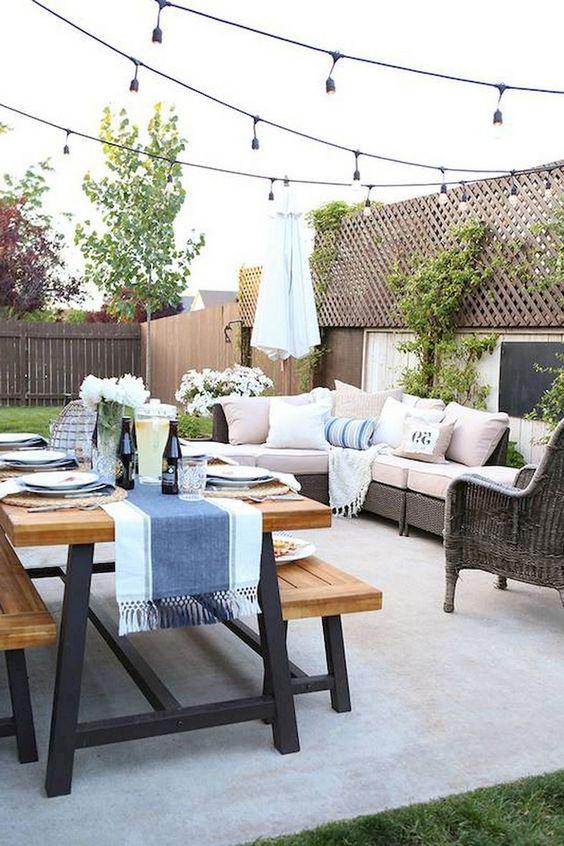 Cozy Backyard Ideas: Chic Simple Decor
