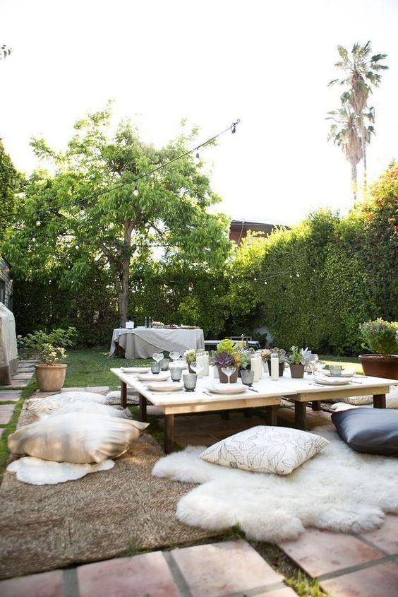 Cozy Backyard Ideas: Casual Backyard Look