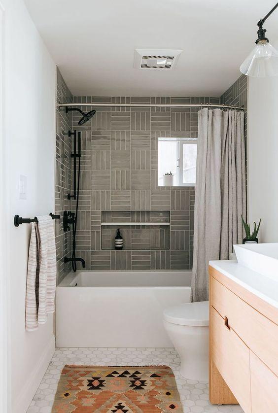 Guest Bathroom Ideas: Chic Modern Accents