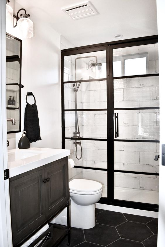 Guest Bathroom Ideas: Striking Black and White